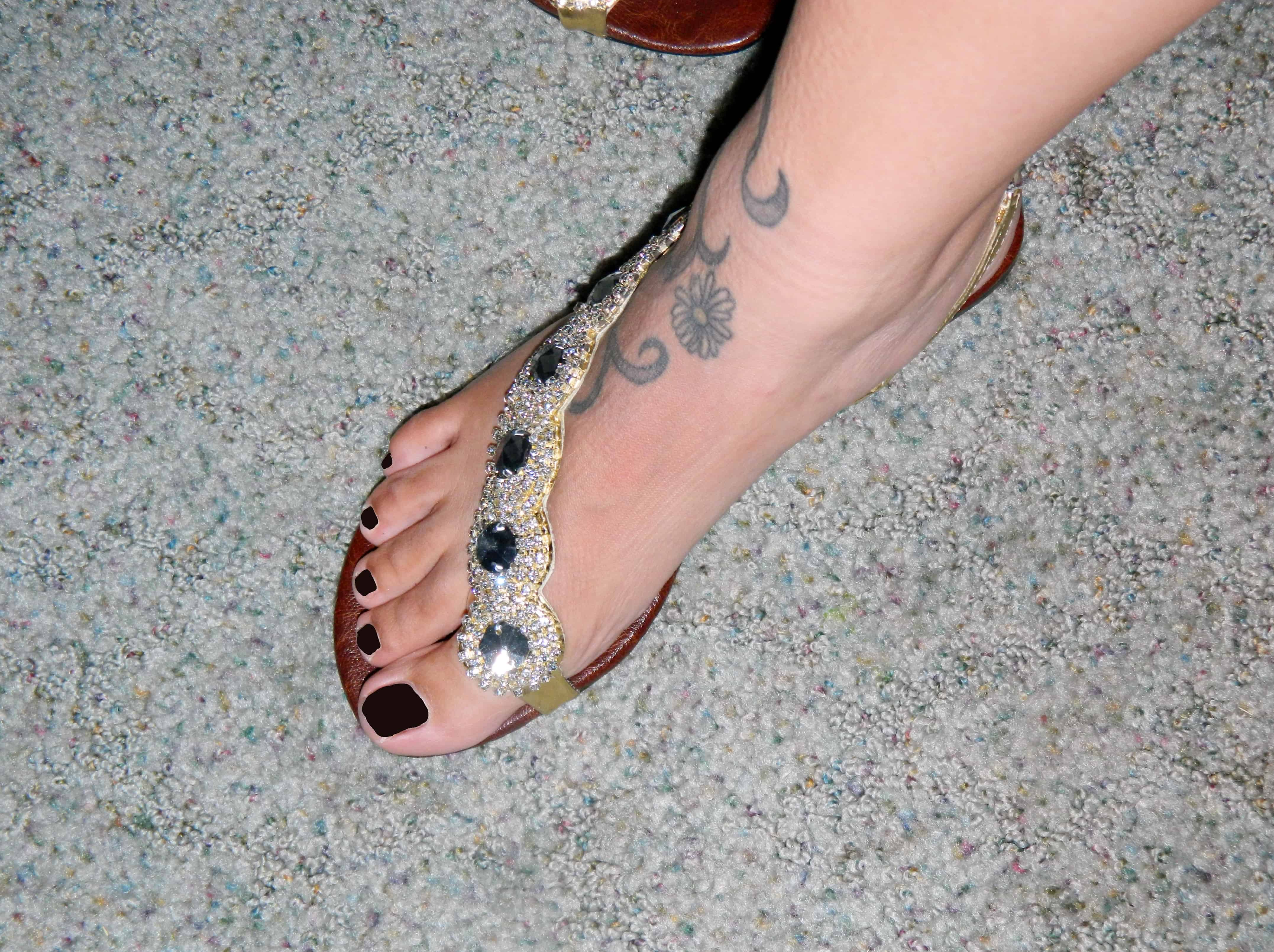 Fibi and Clo Sandals {Review and Giveaway}
