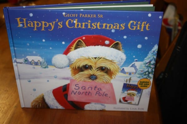 Holiday Gift Guide Review & Giveaway: Happy's Christmas Gift (Children's Book)