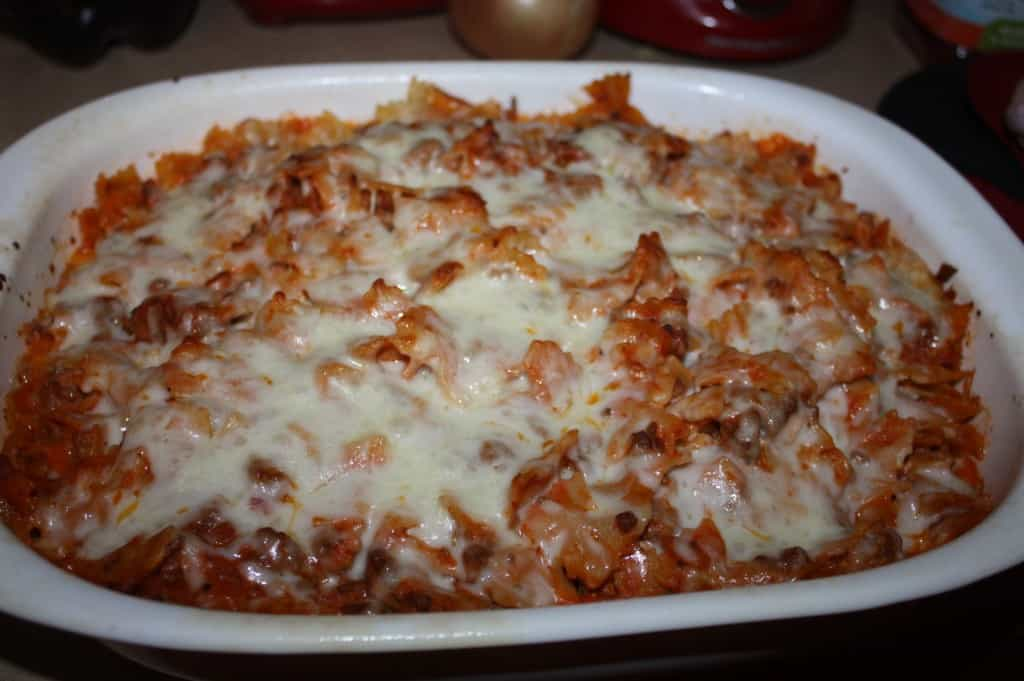 This is a great weeknight quick fix meal. It has a great creamy texture from the Philadelphia Cooking Cream mixed in to the pasta sauce.