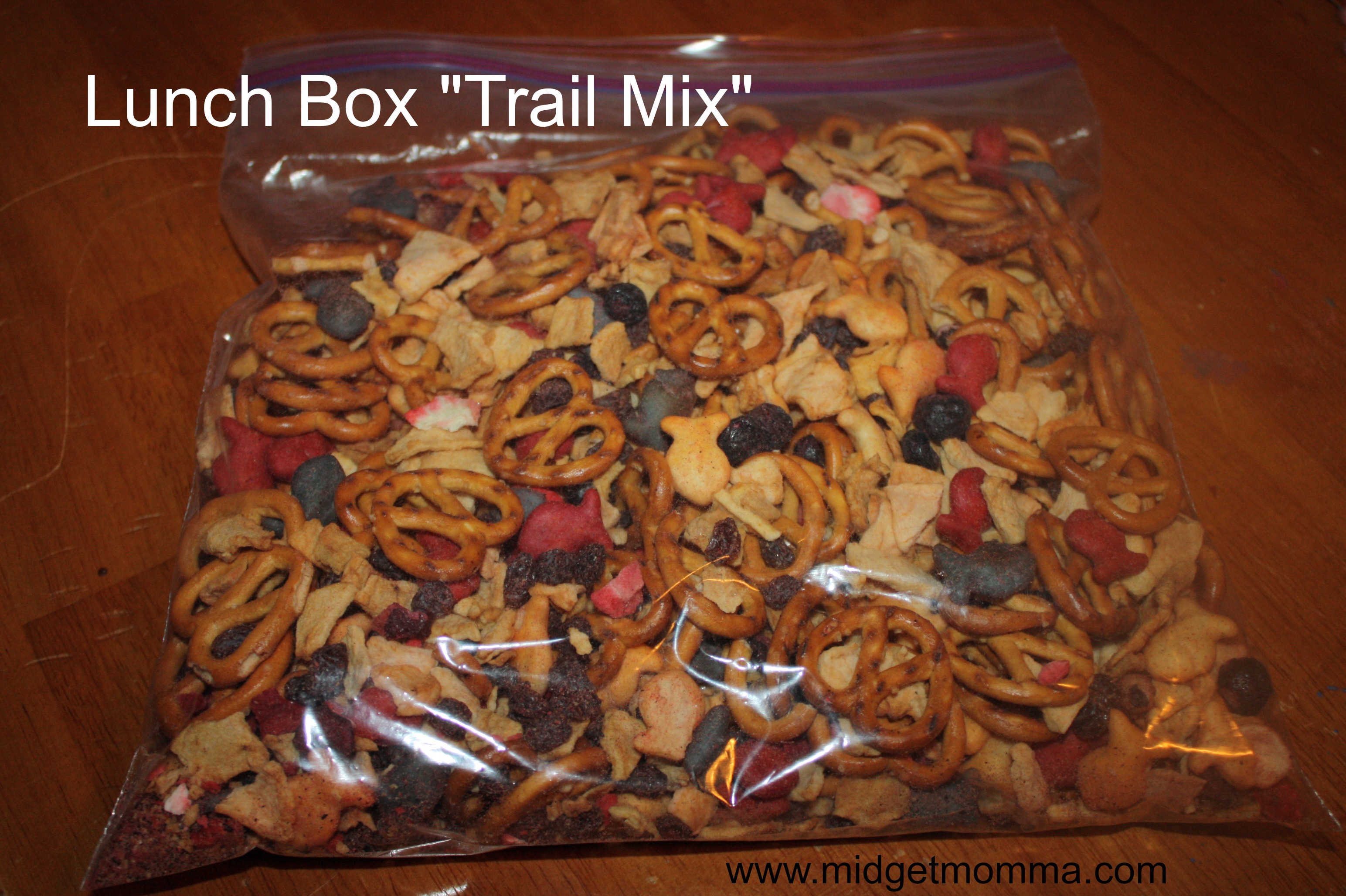 "This Easy Lunch Box ""Trailmix"" is a healthy twist on your normal candy filled trailmix. You will feel great feeding this to your kids as a healthy snack."