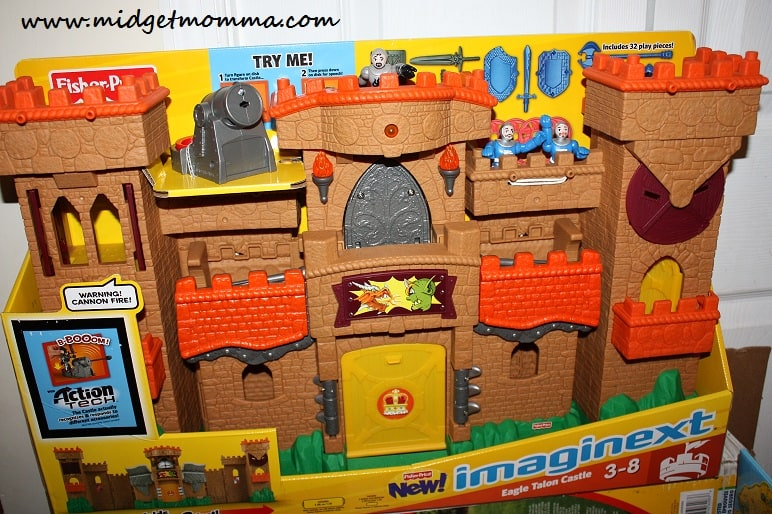 {Holiday Gift Guide} Fisher-Price Imaginext Eagle Talon Castle Review