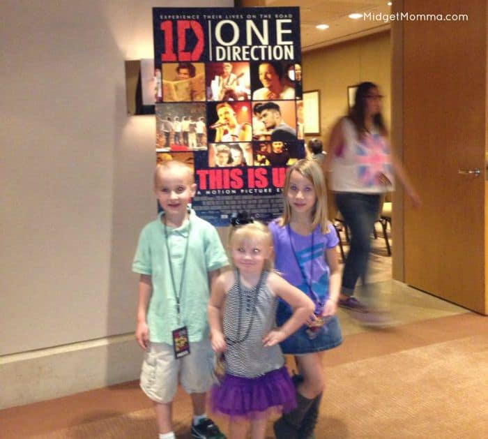 Behind the scenes with one direction about their new movie one one direction 4 we arrived and tom came with us fully planning on waiting outside for the short time we would be there but they had an extra pass and he m4hsunfo