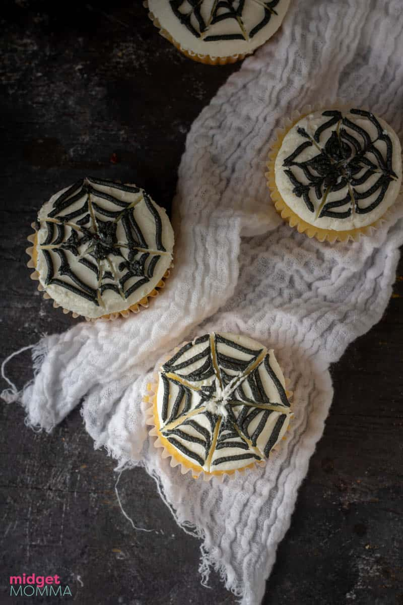 spider web halloween cupcakes