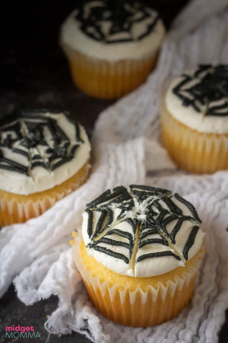easy halloween cupcakes - spider web cupcakes