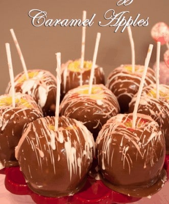 Chocolate Drizzeled Caramel Apples are a great way to make a simple caramel apple look fancy. The chocolate adds a great favor to the apple.