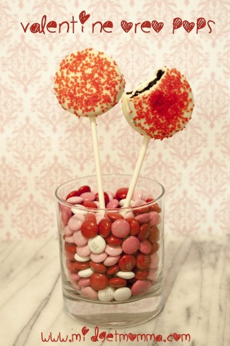 Valentine Oreo Pops are a great sweet treat your loved one will love to eat. Oreos are already delisish so when you add chocolate to them its even better.