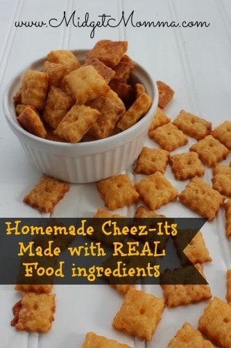 Homemade Cheez-It Crackers Recipe - made with REAL food ingredients! Its a snack you will feel good to feed your kids unlike the normal snack.