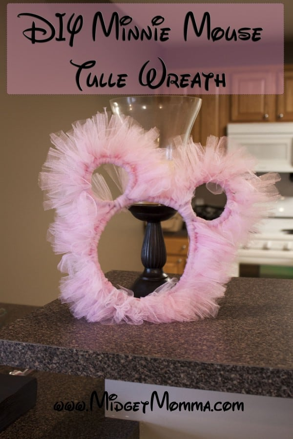 DIY Minnie Mouse Tulle Wreath