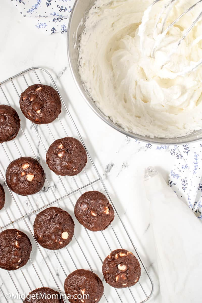 Chocolate cookie sandwiches ingredients