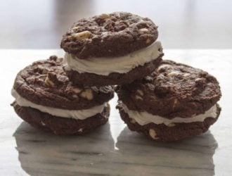 There is just something about the combination of chocolate cookies and buttercream that just go so well together. Who needs Mrs. fields with these cookies?