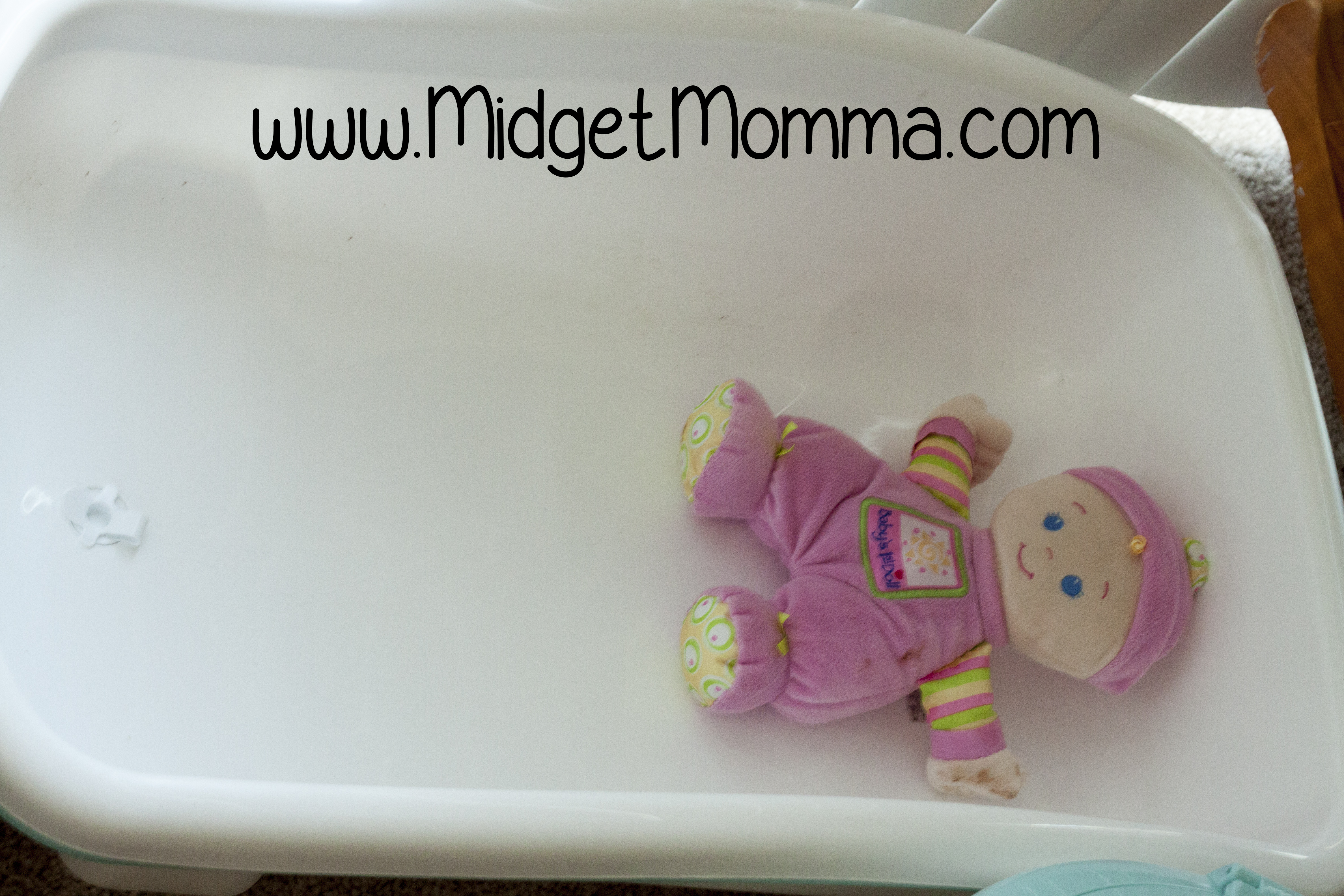 splish splash its time for babies bath with comfy cozy tub. Black Bedroom Furniture Sets. Home Design Ideas