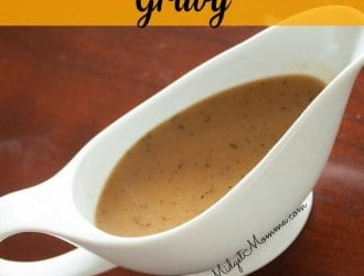 Apple Cider Turkey Gravy that is easy to make and perfect for thanksgiving dinner recipes! Quick and Easy and takes just 5 minutes!!