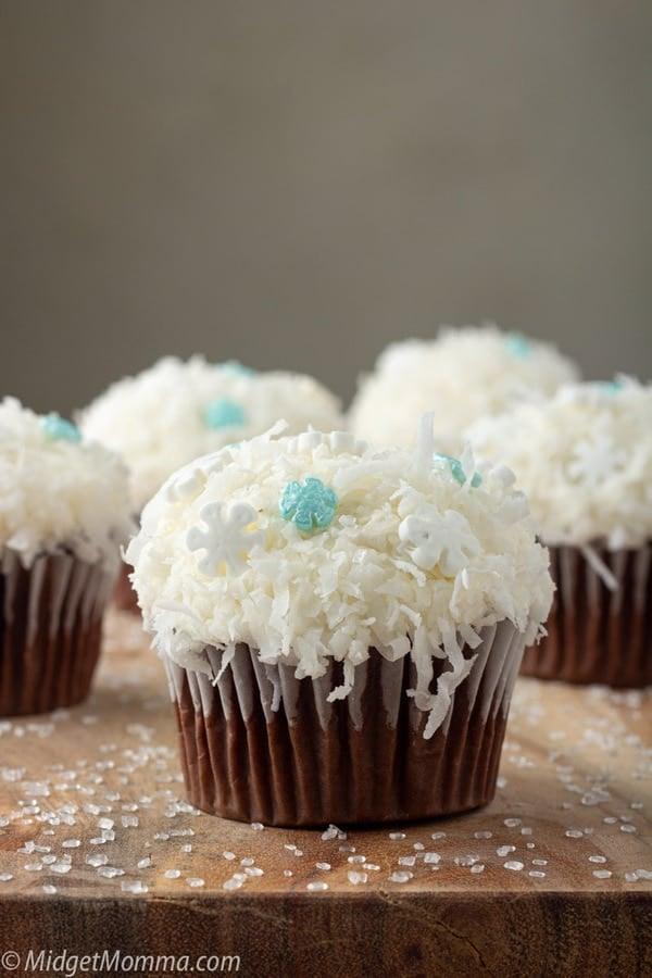 Frozen snowball cupcakes