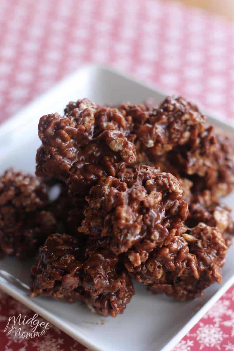 Reindeer poop cookies. Super fun easy to make christmas cookies. No bake christmas cookies. Chocolate crispy christmas cookies that are fun to make. Also known as Reindeer poop cookies!