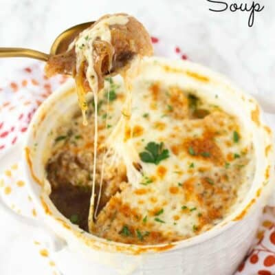 This French Onion Soup will make your guest feel like you spend a lot of time making it. Easy French Onion Soup is actually a simple soup with rich full beefy flavor. Making this homemade french onion soup will make you feel fancy right at home while enjoying this amazing homemade soup recipe. #FrenchOnion #SoupRecipe #FrenchOnionSoup #EasySoupRecipe