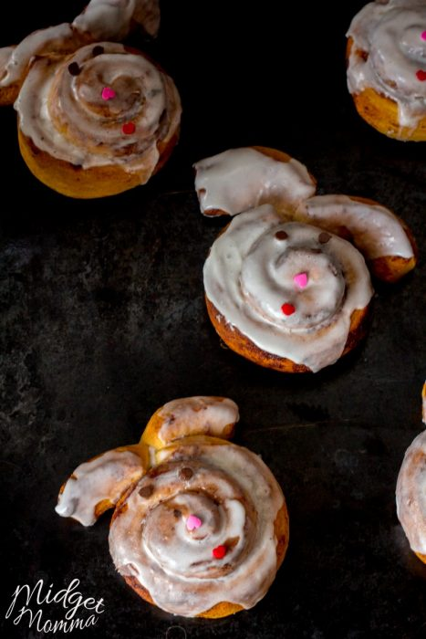 Easy Easter Bunny Cinnamon Rolls