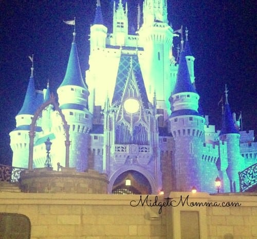 Secret Disney World Tips from Disney Cast members how to get good Disney Castle pictures
