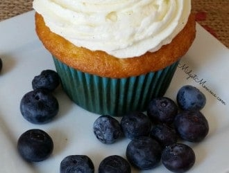Blueberry Cupcakes, homemade Blueberry Cupcakes, Blueberry Cupcakes made with fresh blueberries, easy Blueberry Cupcakes, cupcakes with blueberries