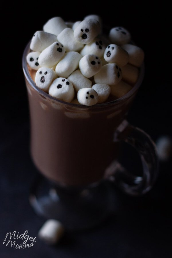 For this fun Halloween treat you are going to make adorable ghosts out of marshmallows and then add them to the most amazing homemade hot chocolate. This Halloween hot Chocolate is the perfect fun Halloween drink for kids!