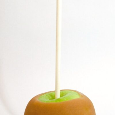How to Make Perfect Caramel Apples. Step by Step instructions on how to make the perfect How to Make Perfect Caramel Apples with homemade caramel