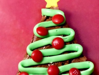 Christmas Tree Brownies are fun for the kids and delicious made with homemade brownies that are the best brownies ever!We love these Christmas Tree Brownies. Easy to make christmas treat, tasty brownies decorated to look like a christmas tree. These Christmas tree brownies are perfect for a christmas party dessert