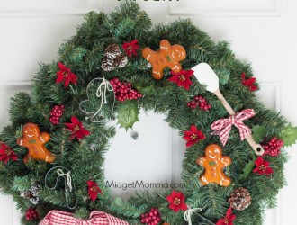DIY Christmas Baker Wreath