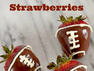 Football Chocolate Covered Strawberries. Great for sports parties and father's day. Step by step directions to make them perfect.