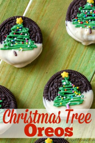 Christmas tree cookies. How adorable are these Christmas tree oreos. Super cute christmas cookies! No bake Christmas cookies.