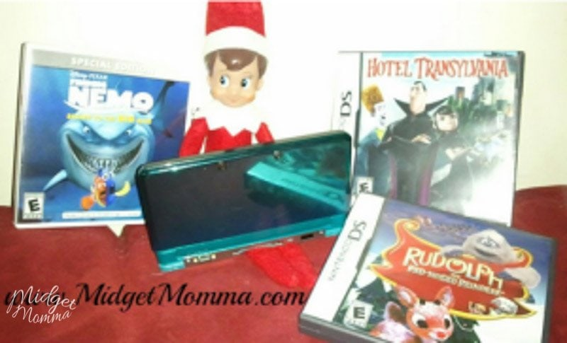 Elf on the shelf playing the Nintendo DS