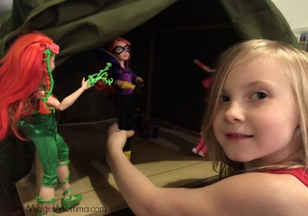 playing-with-dc-hero-dolls