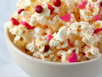 White Chocolate Popcorn Valentine's Day popcorn