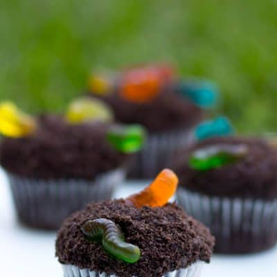 cup of dirt cupcakes