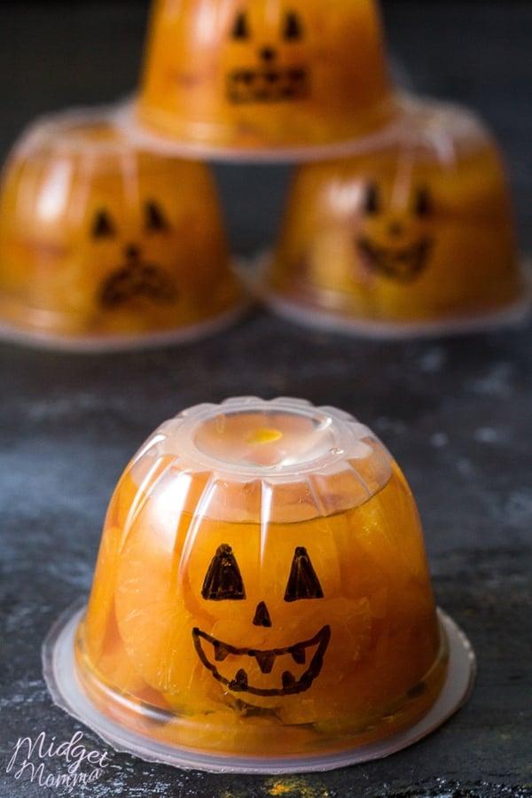 Jack-O-Lantern fruit cups lunch box treat, halloween treat, halloween snack, halloween dessert, halloween kids lunch, halloween fun for kids, easy halloween snack, easy halloween treat