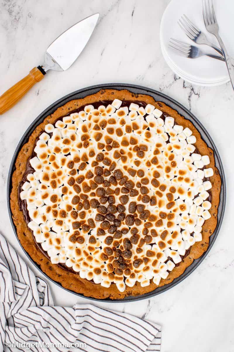 S'mores Cookie dessert Pizza