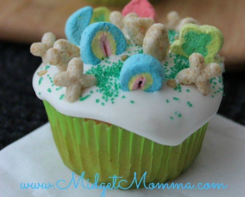 6 Fun & Tasty St. Patrick's Day Dessert Recipes • MidgetMomma