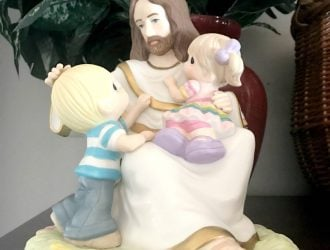 The PERFECT Easter Precious Moments! 'Be Ye As Little Children' figurine!