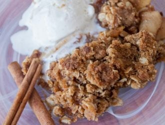 apple crisp with old fashioned oats