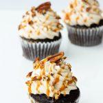 Caramel Turtle Cupcakes