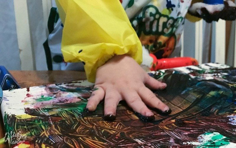 fingerpainting name craft for toddlers