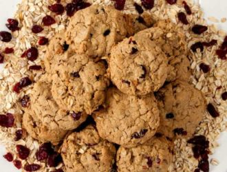 These Cranberry Oatmeal Cookies are amazing, they are the perfect sweetness and then the perfect tartness. Combined these flavors make the most amazing Cranberry Oatmeal Cookies. #Cookies #Cranberry #Oatmeal #OatmealCookies #CookieRecipe