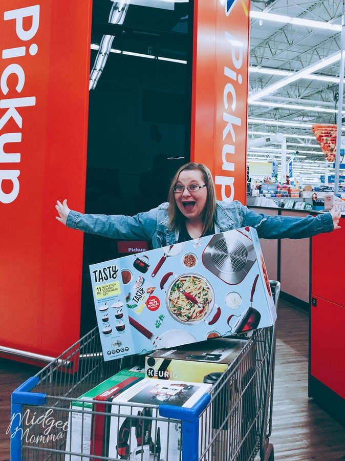 If you are looking for the BEST gifts for Mom then Walmart is the place to be! With FREE 2 Day shipping and FREE Instore pickup even if you are doing your shopping last minute, Walmart has you covered! #Sponsored #WalmartTopGifts