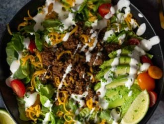 Low Carb Taco salad. Make taco night full of flavor while being low carb and keto friendly with this low carb taco salad! #lowcarb #taco #beef #keto