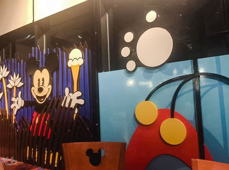 Dine with Mickey at Disney World