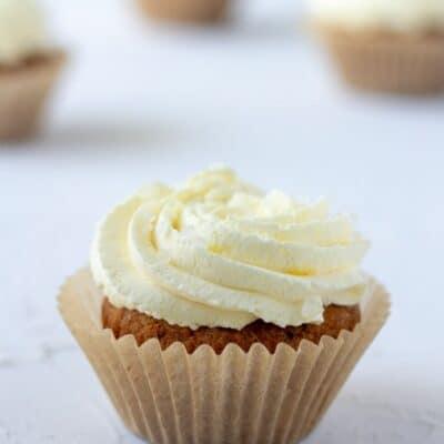 low carb salted caramel cupcakes