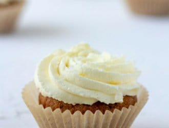 keto/low carb salted caramel cupcakes