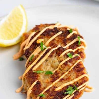 Tuna Cakes with Sriracha Aioli Sauce