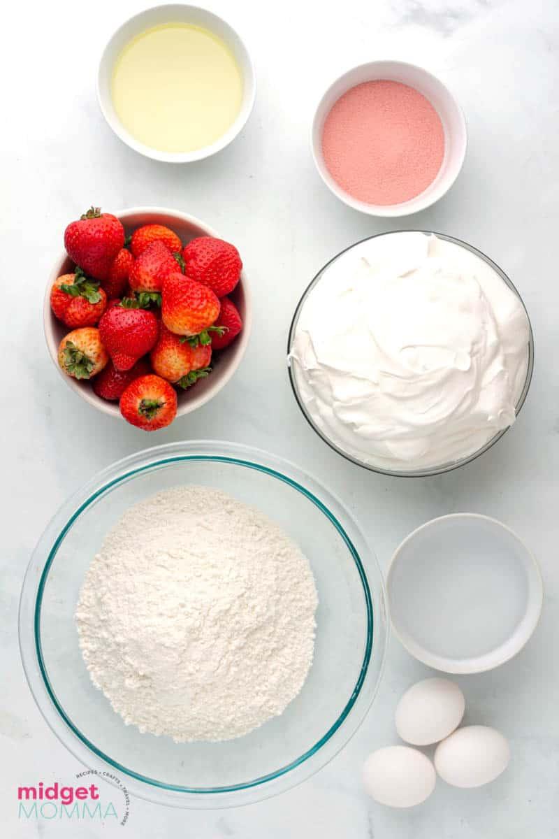 strawberry poke cake ingredients