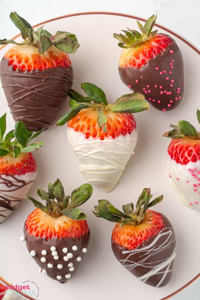 Easy Chocolate Covered Strawberries close up photo